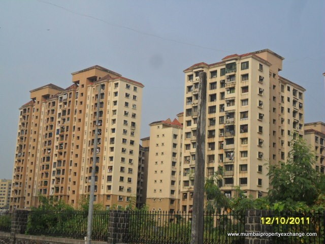 2 BHK apartment for Rent in Palm Court Complex, Malad West