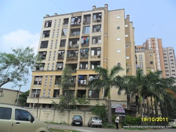 Dhanashree, Kandivali West