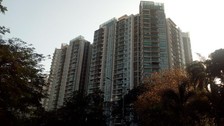 2 BHK apartment for Sale in Whispering Palms, Kandivali East