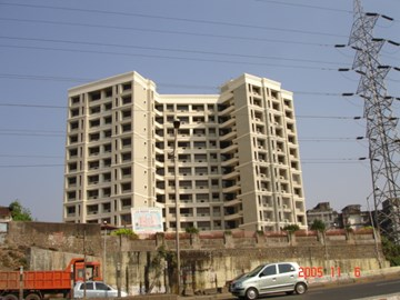 Lemont Apt, Malad East