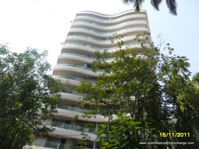 3 BHK apartment for Rent in Supreme Residency, Bandra West
