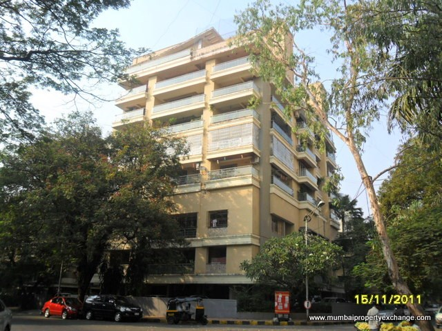2 BHK apartment for Rent in Garden View, Bandra West