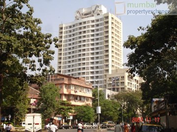 Om Residency, Parel
