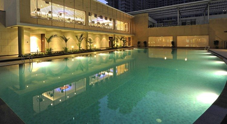 Kalpataru Aura Swimming Pool