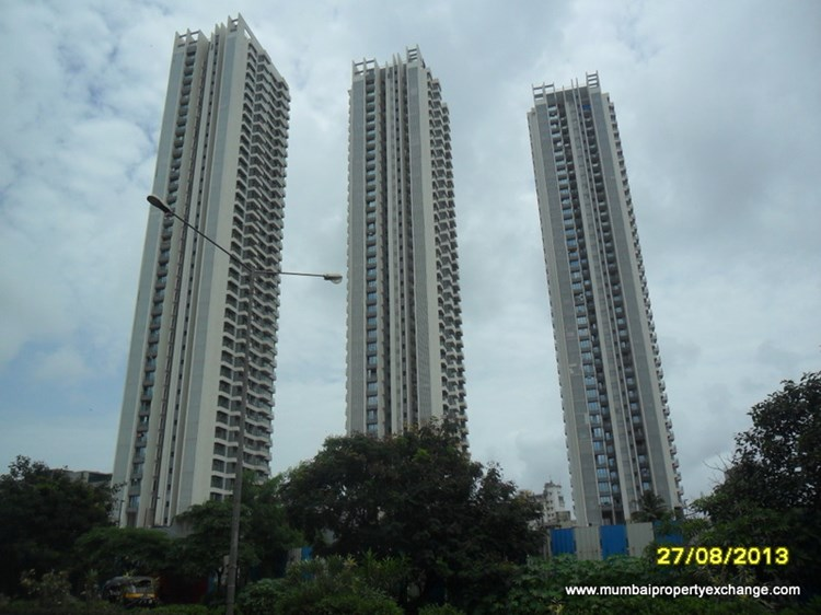 3 BHK apartment for Rent in Rustomjee Elanza, Malad West