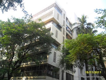 Rustomjee La Roche, Bandra West