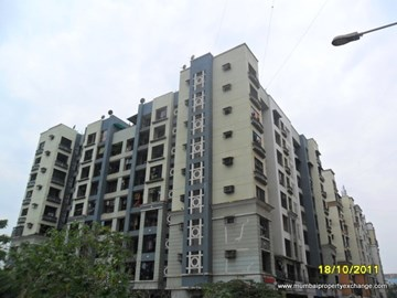 Blue Empire, Kandivali West