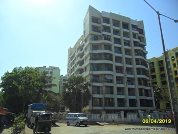 Raj Maximus, Borivali West