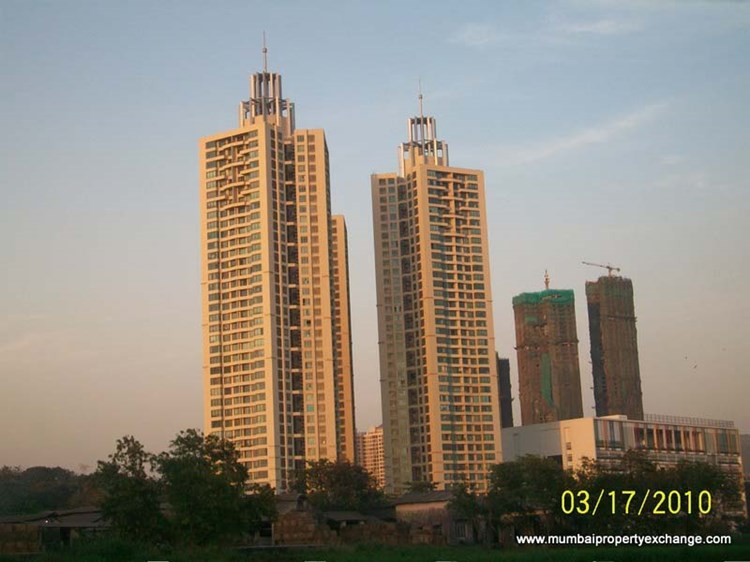 2½ BHK apartment for Rent in Oberoi Woods, Goregaon East