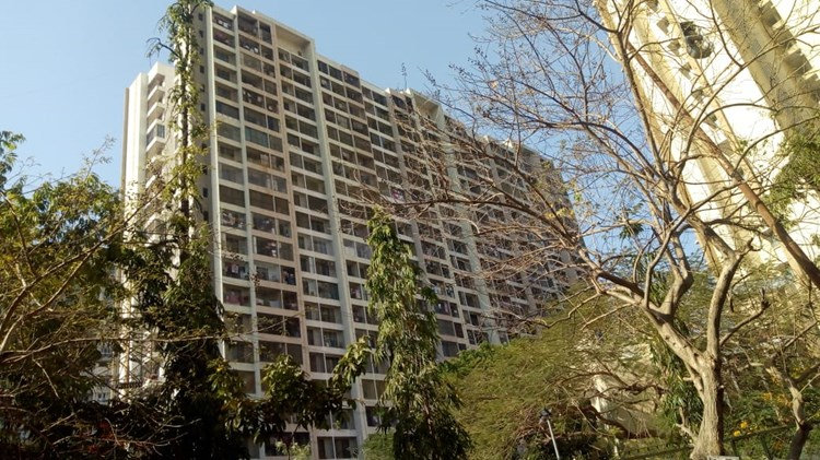 2 BHK apartment for Sale in Raheja Reflections, Kandivali East
