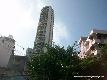 Crescent Heights, Tardeo