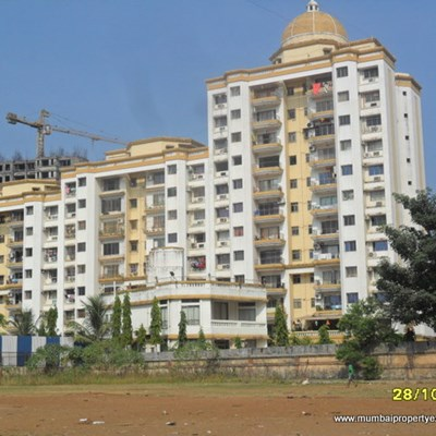 Flat on rent in Viceroy Court, Kandivali East