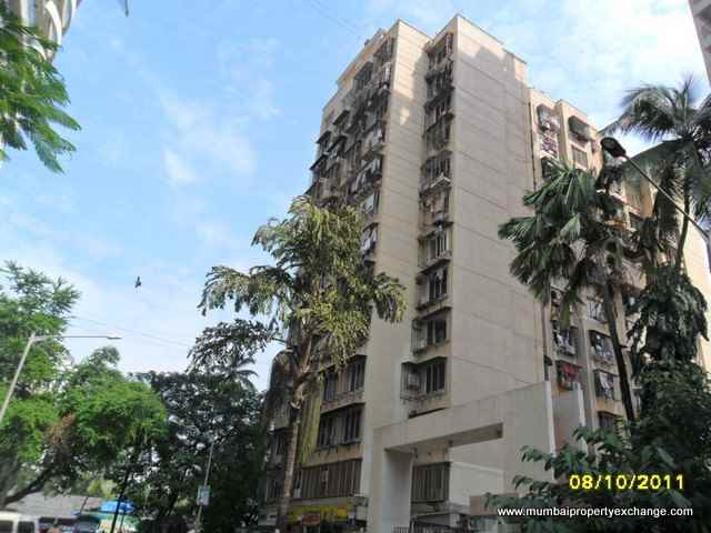 Flat on rent in Blue Excellency, Goregaon West