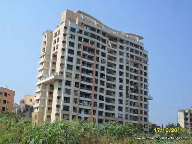 Flat on rent in Supreme Willows, Kandivali West