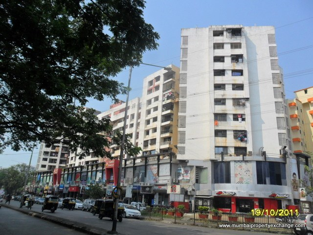 The Breezy Corner, Kandivali West