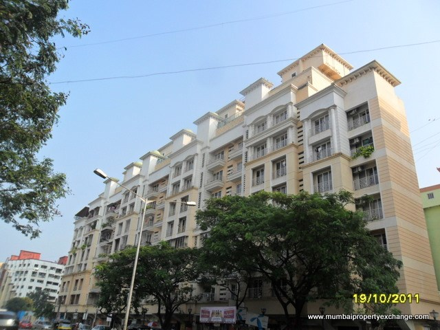Astor Place, Kandivali West