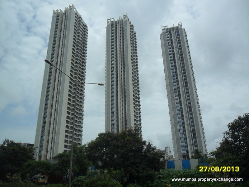 Rustomjee Elanza, Malad West