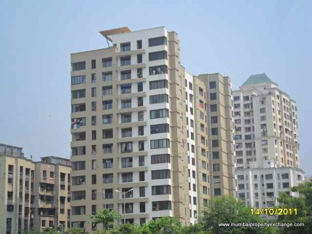 Flat on rent in Vini Tower, Malad West