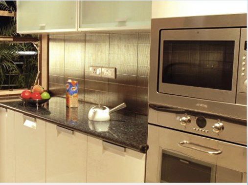 RNA Elegance Sample flat kitchen
