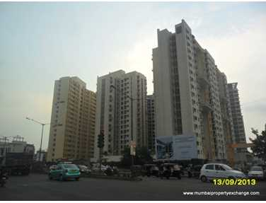 Flat on rent in Lodha Aqua, Dahisar East