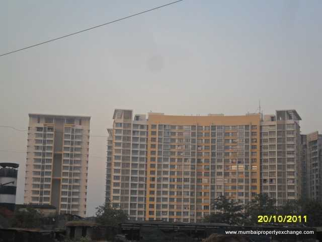 3206 Oth 20Th Oct 2011 - Lodha Aqua, Dahisar East