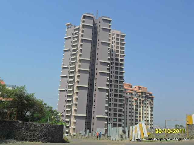 Flat on rent in La Vista, Borivali East