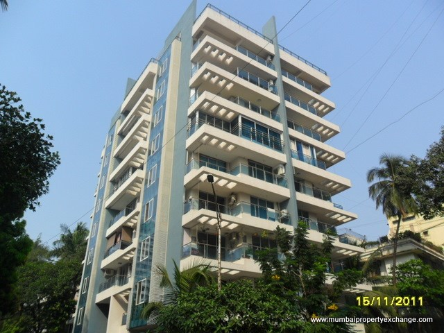 Crescent, Bandra West