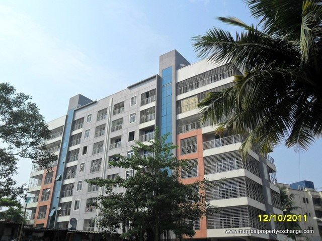 Solitaire Star, Malad West