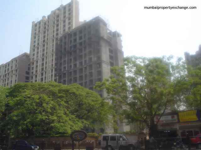 Flat for sale in Runwal Heights, Mulund West