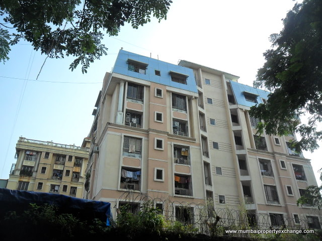 Flat on rent in Akshay Girikunj, Andheri West