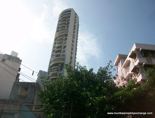 Flat for sale in Crescent Heights, Tardeo